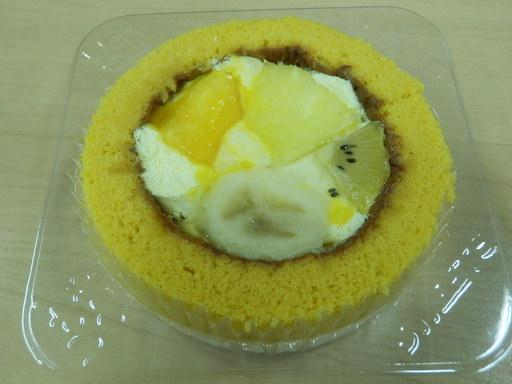 プレミアム トロピカルフルーツのロールケーキ