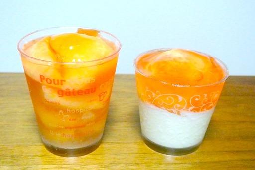 桃のゼリーと桃の杏仁豆腐