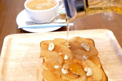 林檎とシナモンのトースト